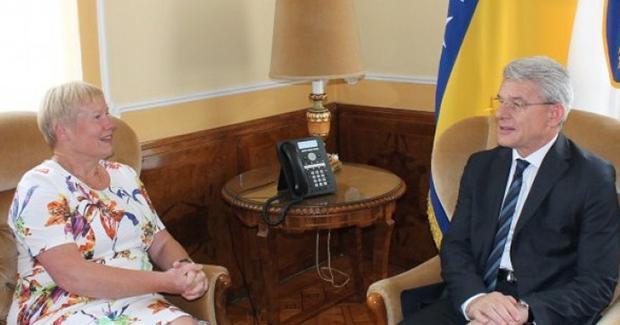 OPROŠTAJNA POSJETA NJEMAČKE AMBASADORICE! Džaferović se zahvalio ambasadorici Hohmann za njen angažman u BiH